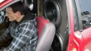 DrWoofer DEMO Subwoofer Wall Flexing Windshield 1