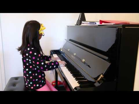 """Colors of the Wind"" (Disney's ""POCAHONTAS"") Piano played by Julia Lau (9 years old)"