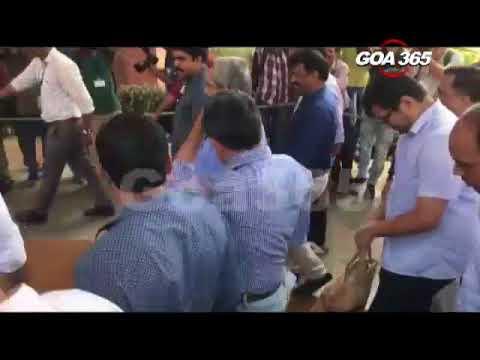 CM Manohar Parrikar arrives at the Assembly