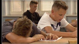 Cała klasa oblała test mimo spisanych odpowiedzi [Szkoła odc. 482]