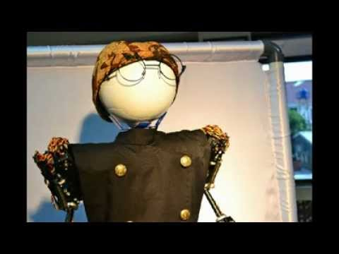 Ki manteb (The Puppet Master Robot)
