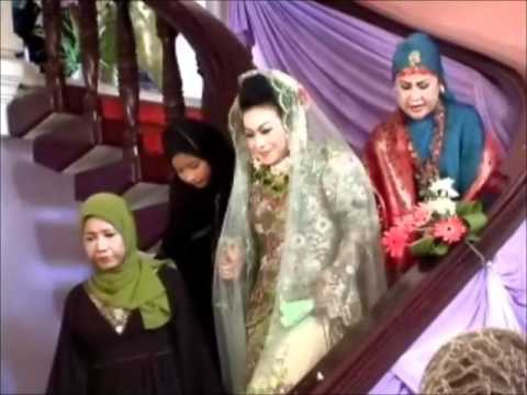 Wedding ceremony @ umi elvy sukaesih house