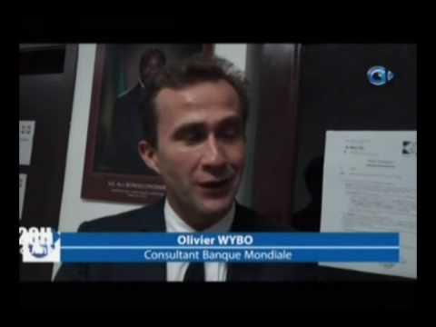 Entretien entre le Ministre de l'Energie et les responsables d'un groupe de la Banque Mondiale