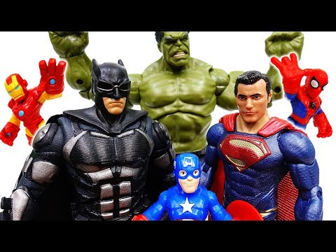 Superman And Batman Are Angry~! Let's Defeat Dinosaur Together - ToyMart TV