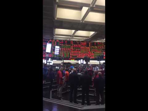 Final closing bell of CBOT wheat futures trading pit on July 6, 2015