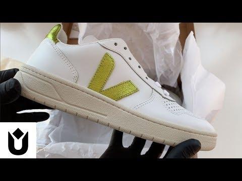 veja-v-10-extra-white-trainers-asmr-unbox
