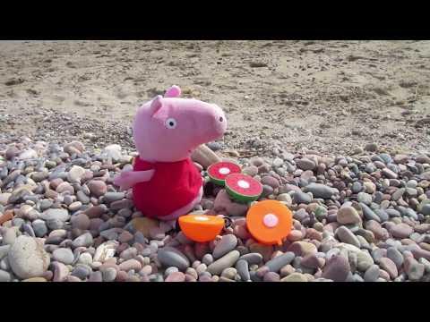 Peppa Pig se quema en la playa con el sol | Vídeos de Peppa Pig en español
