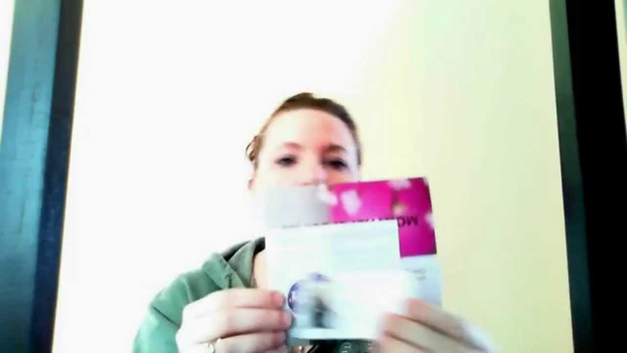 The secret to handing out business cards youtube the secret to handing out business cards colourmoves