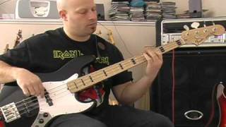 Iron Maiden - Murders In The Rue Morgue - Bass Cover
