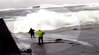 Ludzie VS Fale Morskie