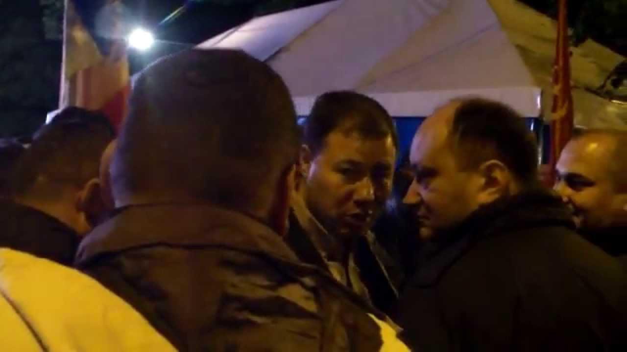 Renato Usatîi denunță corupția de pe scenă, la protest (ru)