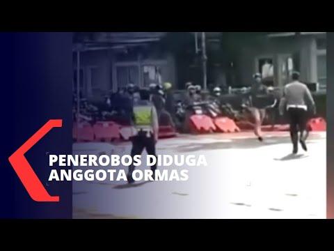 Download Viral Ramai Pemotor Terobos Penyekatan Jalan di Bandung Jabar, Penerobos Diduga Anggota Ormas