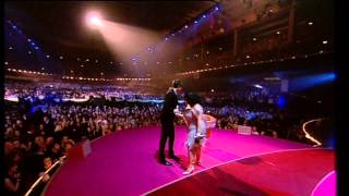 Mark Ronson wins British Male presented by Beth Ditto   BRIT Awards 2008