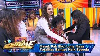 Masuk Pak Eko! Luna Maya Totalitas Banget Naik Sepeda - It's Show Time Eps 11