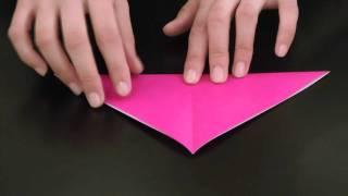 折り紙でつくる「チューリップ」です。 子どもたちと一緒に折り紙を楽し...