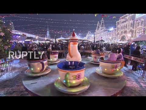 Russia: Moscow gets all dolled up for New Year celebrations