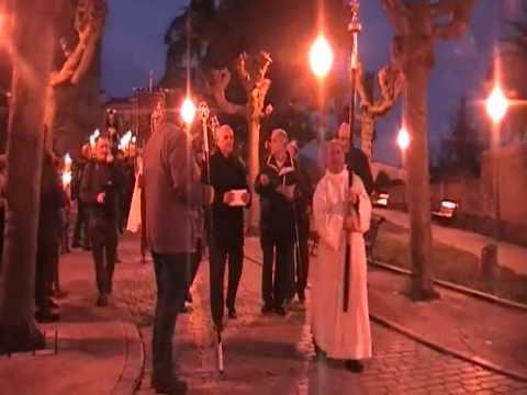 La Cofradia Jesus Nazareno de Villaviciosa  celebró  el Vía Crucis el 7 de marzo de 2014