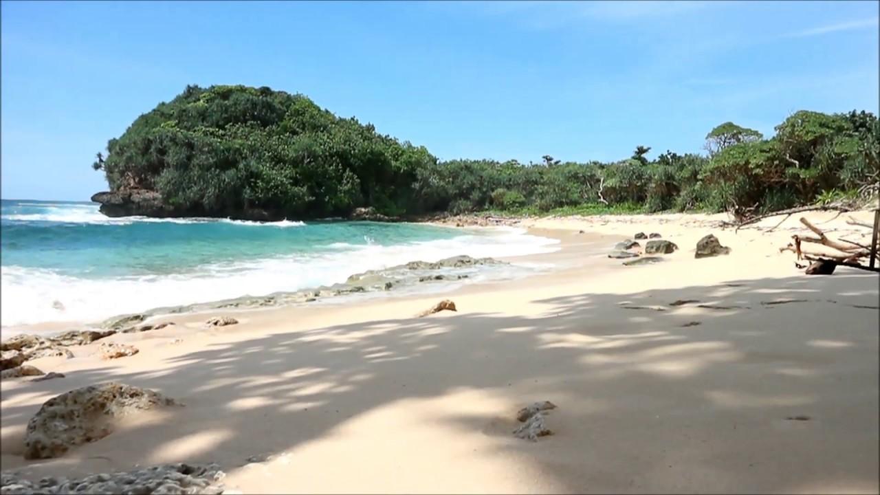 maxresdefault - Pantai Cantik di Malang ini Juga Cocok untuk Kemping!
