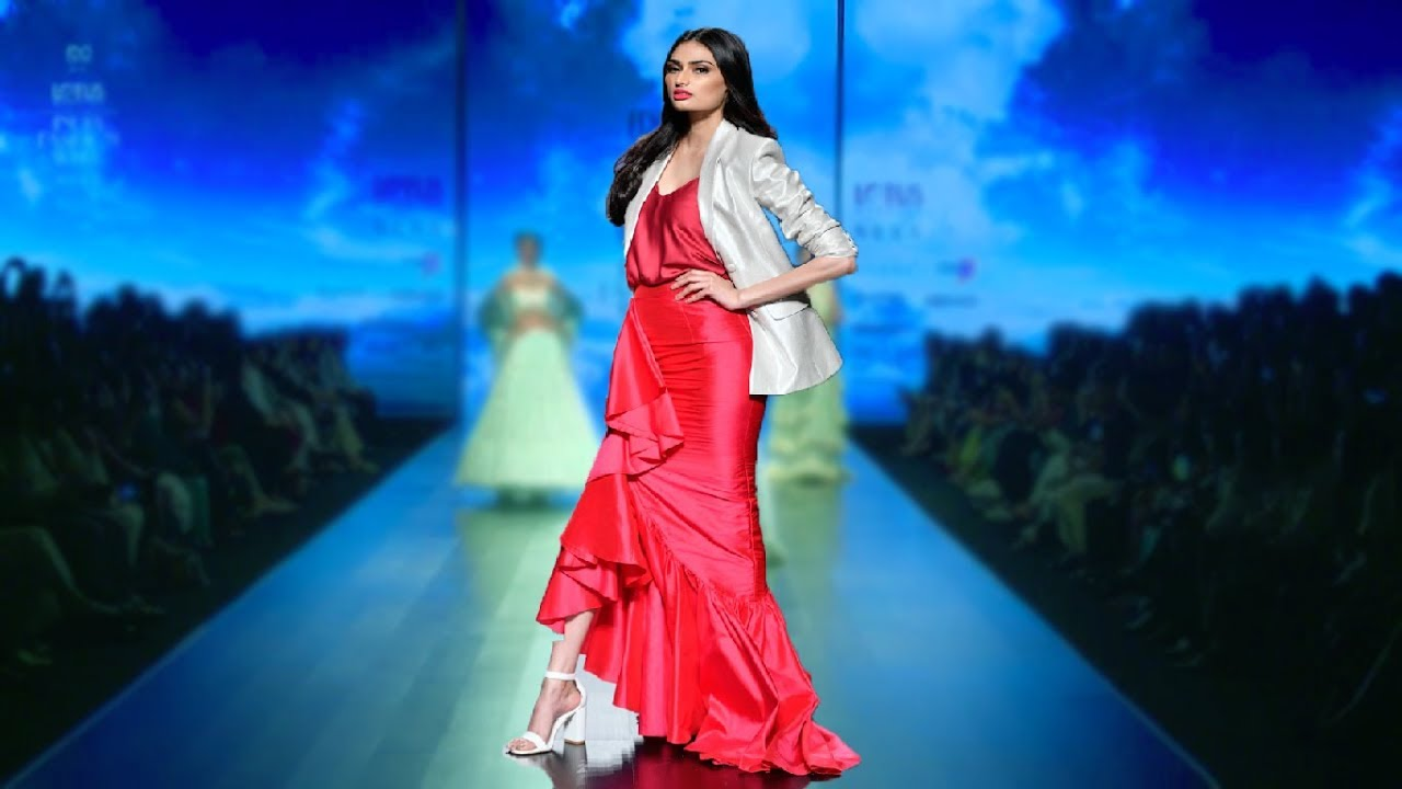 Athiya Shetty Walks for Poshpride | Spring/Summer 2019 | India Fashion Week