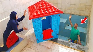 POOL in HOME WITH PRANK! TERRIBLE JOKE WITH KEREM TOY HOME IN THE POOL knock over
