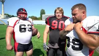 Толстяки против Американских футболистов