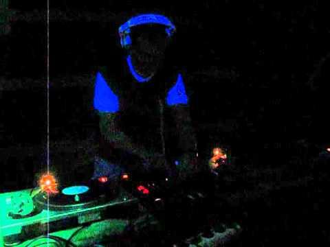 dennis.da Live @ Dj's Night (Sopron - Free SMP) 2011.02.05