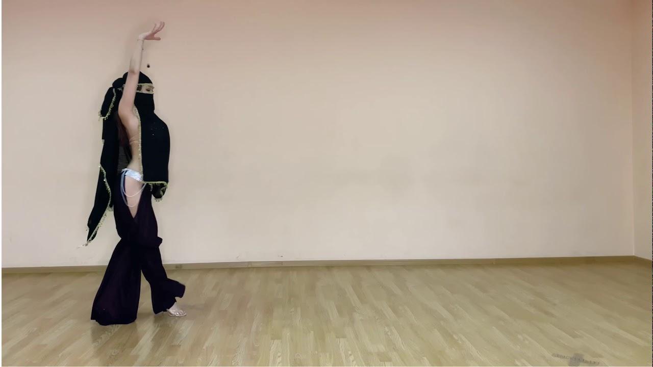 Download Aigerim belly dancer