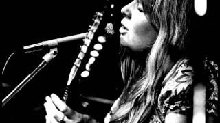 Watch Sandy Denny Lets Jump The Broomstick video