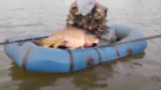 Приколы на рыбалке! Край суровых рыбаков!