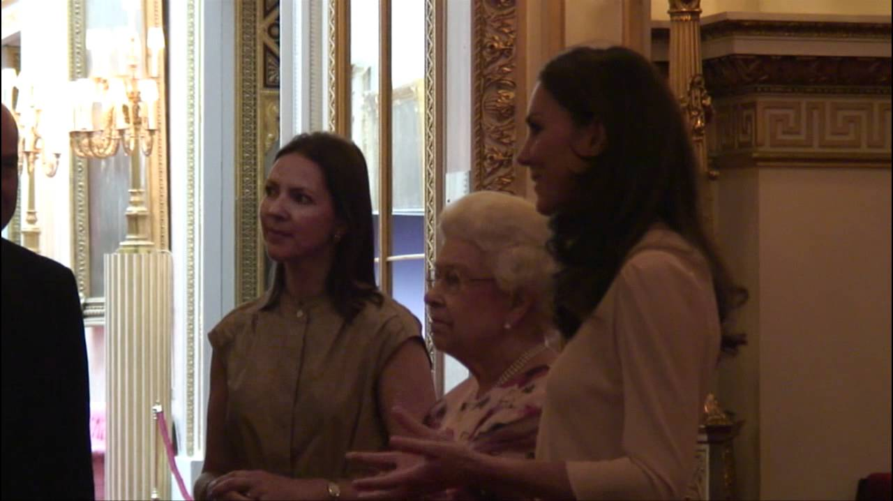 The queen and the duchess of cambridge view the royal wedding the queen and the duchess of cambridge view the royal wedding dress exhibition youtube ombrellifo Gallery