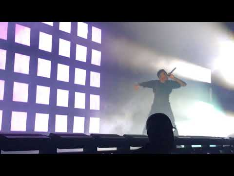 Vince Staples - BagBak (Live at the James L Knight Center in Miami  on 2/12/2018)