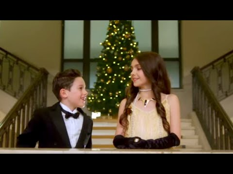 "Idina Menzel's ""Baby It's Cold Outside"" With CUTE KIDS 
