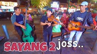 Asik Asik Joss - SAYANG 2 by Astro Acoustic (Pengamen Akustik Jogja Keren) Dijamin Bikin Goyang