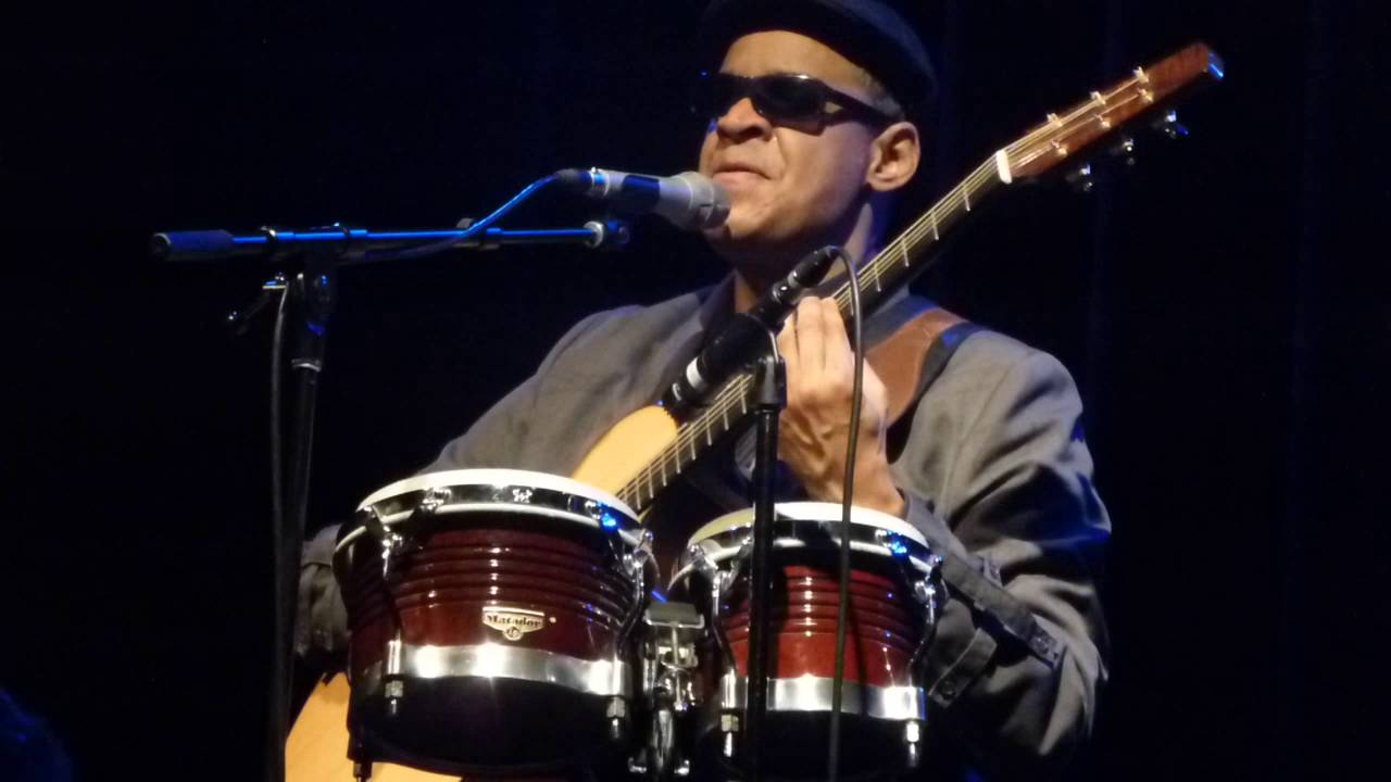 Raul Midón | 'Round Midnight (Thelonious Monk) | Sellersville Theater, 9-21-2016