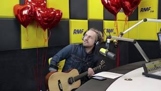 Zakochani w RMF FM - Paweł Domagała śpiewa słuchaczom przez telefon!