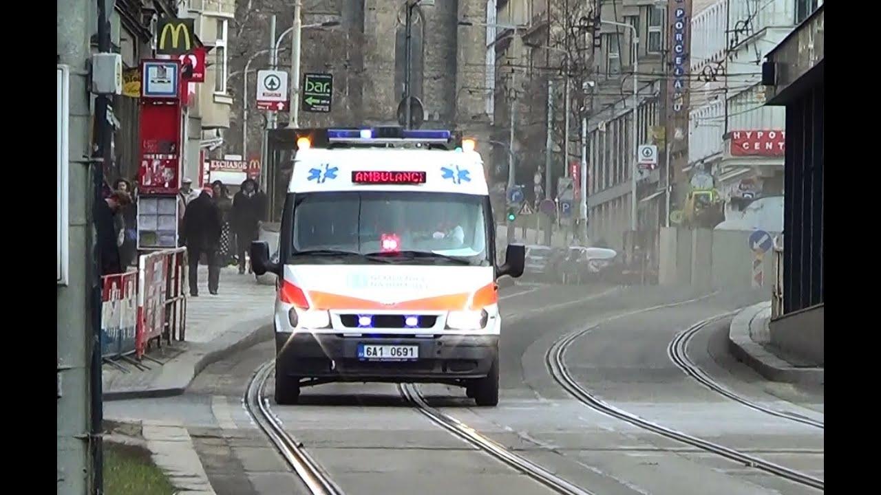 Ford Transit ambulance responding in Prague *red-blue dash light ...