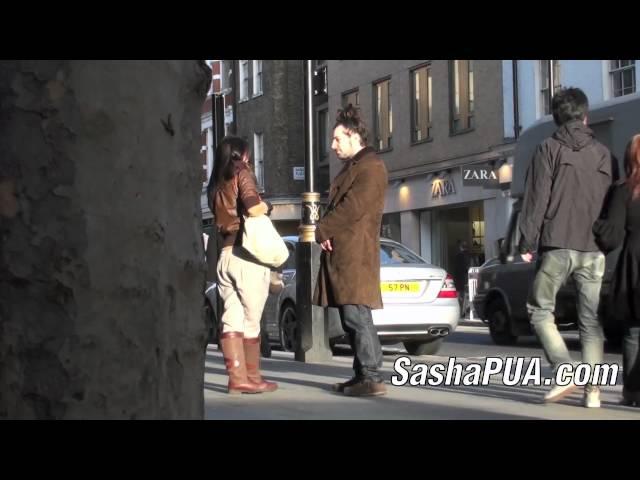 new styles 4b3e9 50b23 Why Girls Walk Away When They Like You   Sasha Daygame