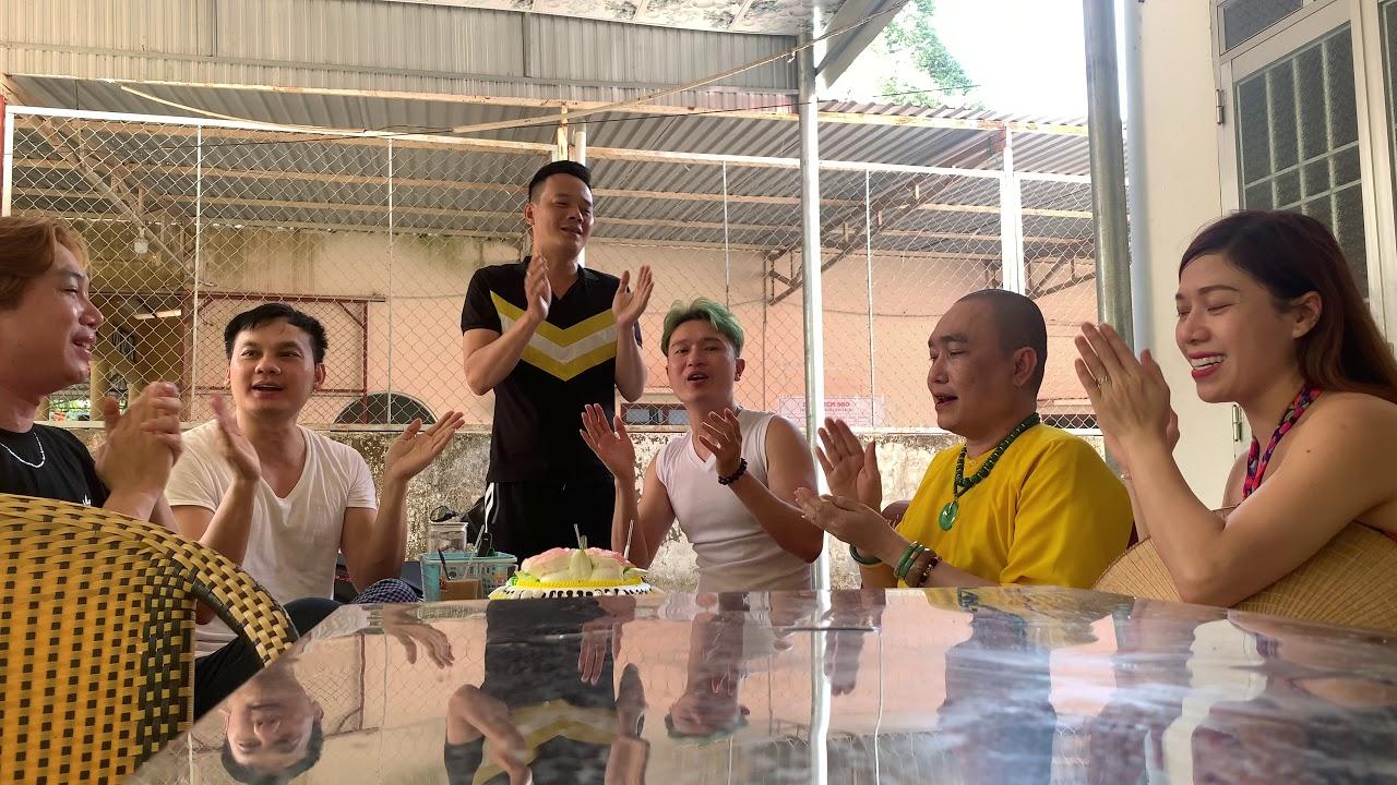 Kim Tiểu Long chúc mừng sinh nhật Sư Mẫu tại chùa Hưng Long!!!