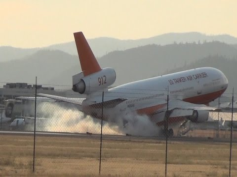 DC 10 Tanker 912 working the Gap Fire, Seiad Valley, California, August 28, 2016