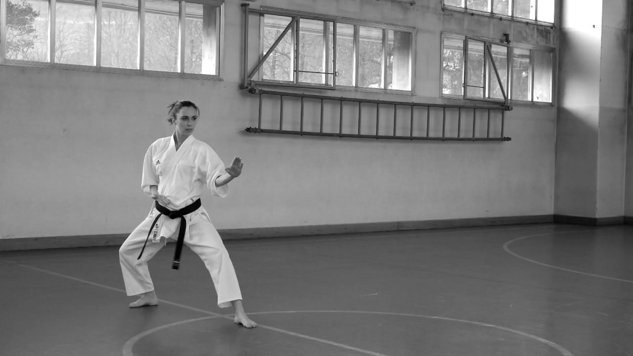 Karate bianco kimono Adulti Abito Da Karate bianco Uniforme Poly//Cotone Gi inc gratis cintura M//W Irrestringibile Karate kata Suit bianco karate Gi