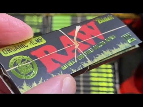 The worlds thinnest slowest burning organic hemp RAWesome rolling paper 💥