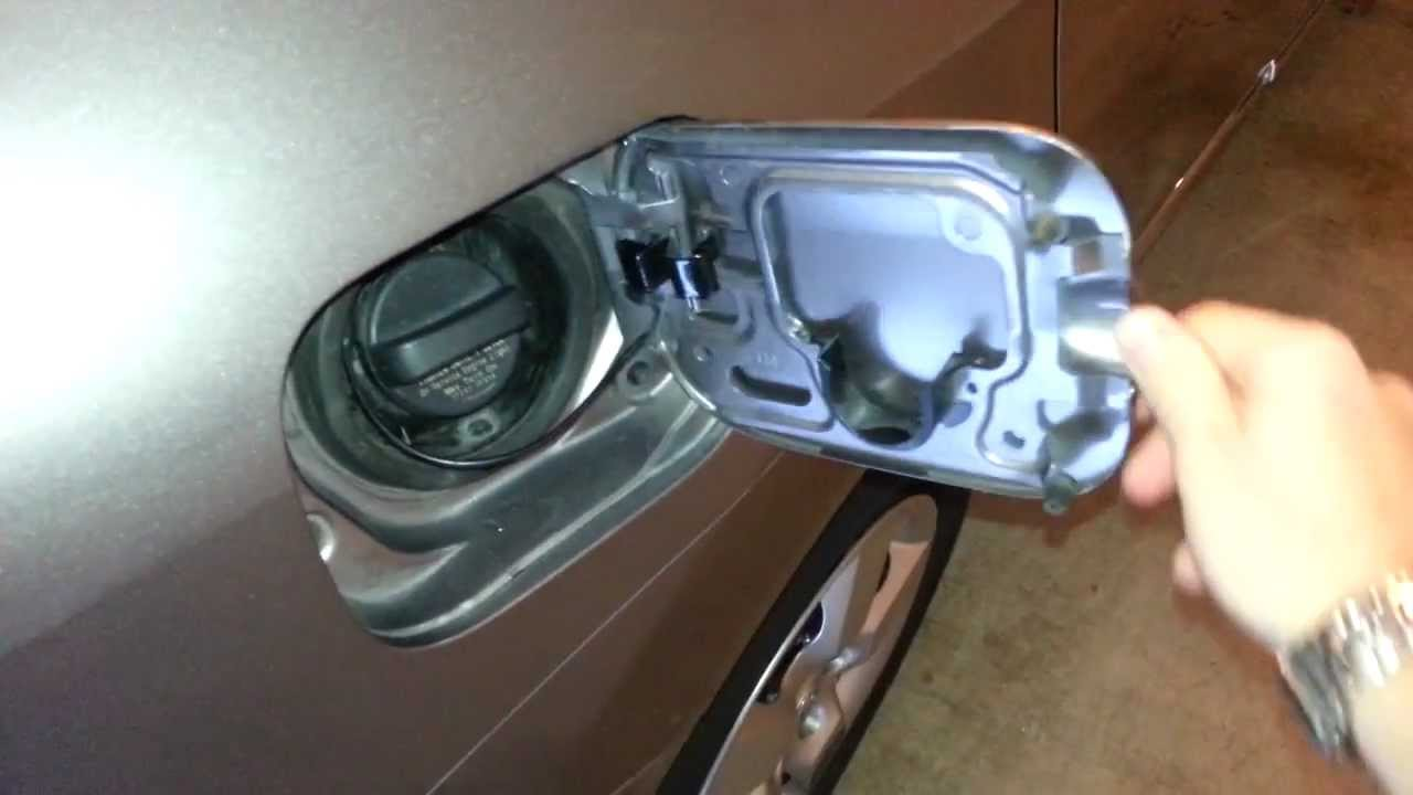 2011 Nissan Rogue Suv Gas Filler Door Wish It Was A