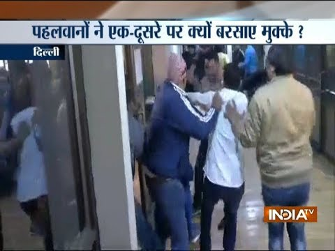 Scuffle between supporters of wrestlers Sushil Kumar and Parveen Rana in Delhi