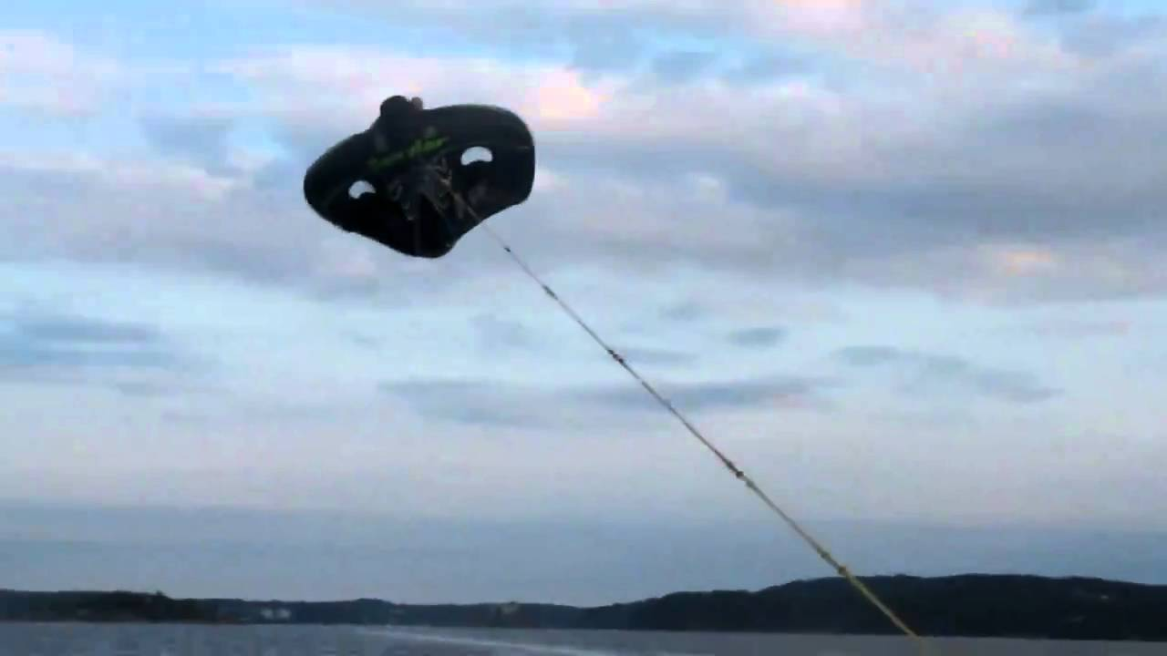 Manta Ray Flying And Crash In Norway Youtube