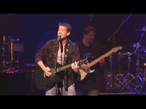 James Denton Singing Marys Place02a.mpg