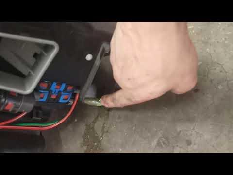 MERCEDES BENZ W210 Замена радиатора испорителя