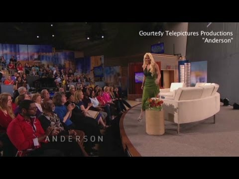 Anderson Cooper kicks Woman off Show