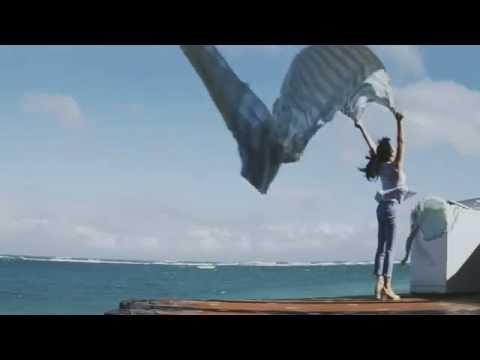 CM「組曲×石原さとみ」が良い。「石原さとみ」も良いが、何より森本千絵さんの凧や紙飛行機などを使った風の描写が素晴らしい!