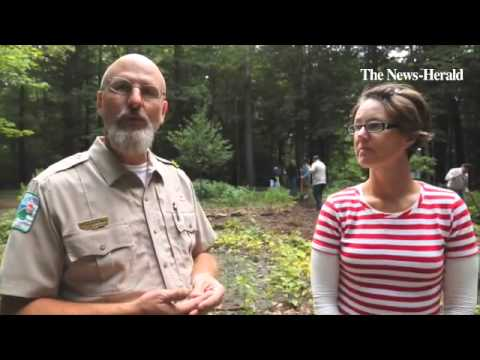 Watch Hawken School students volunteer at the Lake Metroparks' Penitentiary Glen Reservation for the