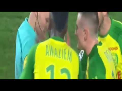 Wasit tendang dan kasih kartu merah pemain - Nantes vs PSG